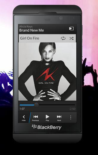 Alicia Keys on a BlackBerry that she's creative director for. Mind blown!