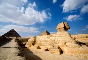iconic-giza-pyramids-photography_51464_600x450