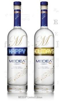 24_Medea-BottleImage