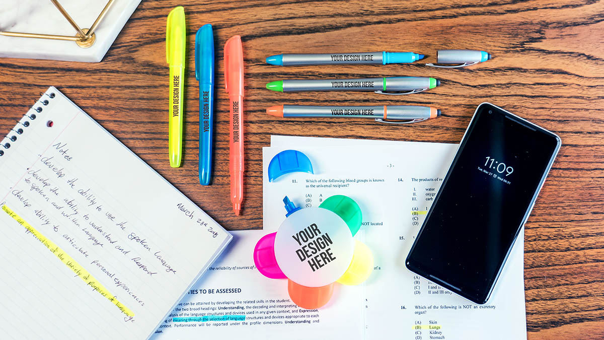 billboard-what-chemicals-in-highlighters-2