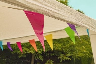 set up outdoor banners and pop up tents